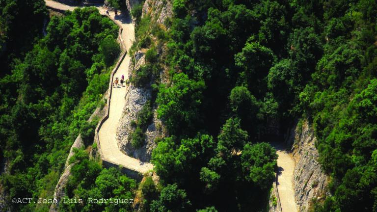 La ruta tranquila hacia Santiago de Compostela: Esparreguera-Montserrat